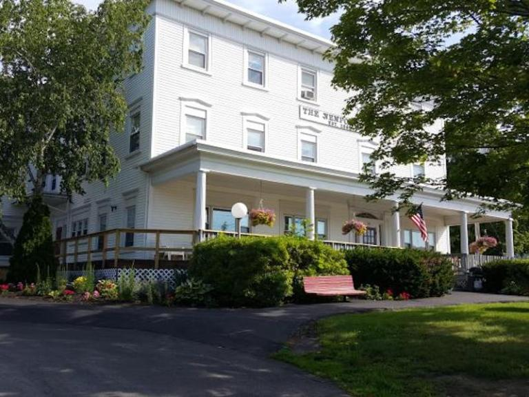 An image of Newport Inn in Newport