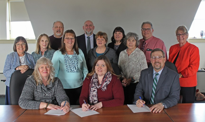 SMCC, Cumberland County Adult Education Programs Form Partnership to Help Students Overcome Obstacles to College