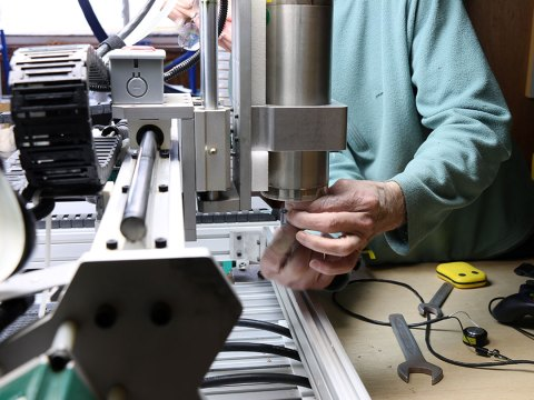 Changing CNC End Mill