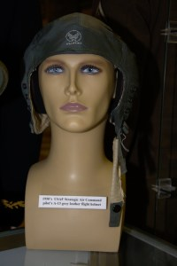 1950s US Air Force Strategic Air Command pilot's A-13 grey leather flight helmet.