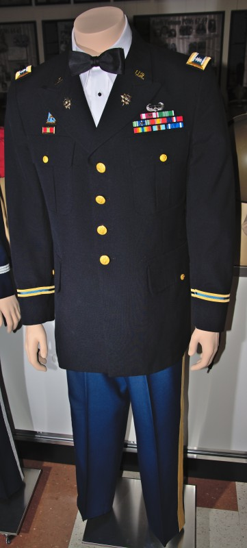 Dress Blues - Lt Col Jon Cleaves, US Army - 1st Armored Division.