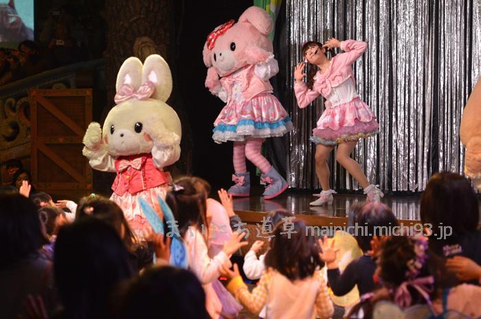 ぼんぼんりぼんのメンバーと一緒に楽しくダンス!