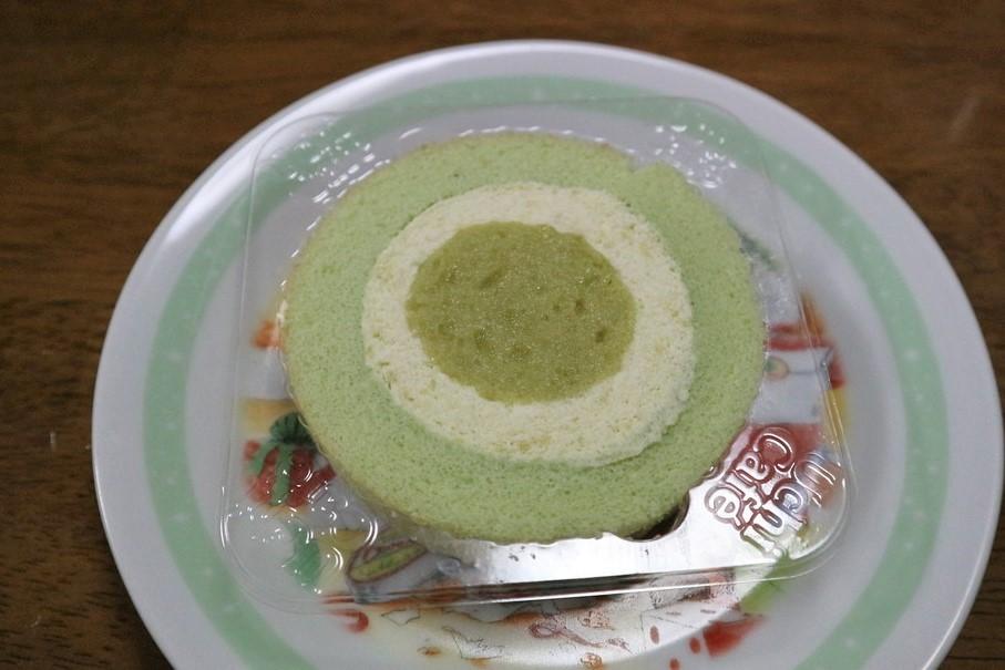 【ローソン】 UchiCafe ずんだロールケーキ