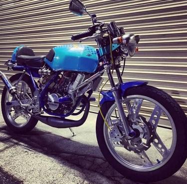 ホンダMBX50のカスタムバイクやおすすめカスタムパーツを紹介!年式別スペックなど