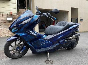 ホンダPCX125のカスタムバイクやおすすめカスタムパーツを紹介!