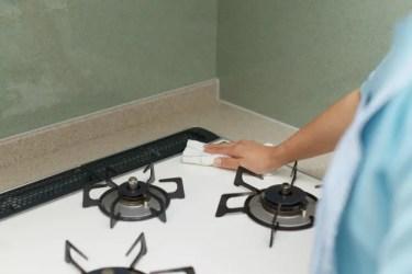 コンロの掃除は重曹で決まり!しつこい油汚れも簡単ピカピカに!