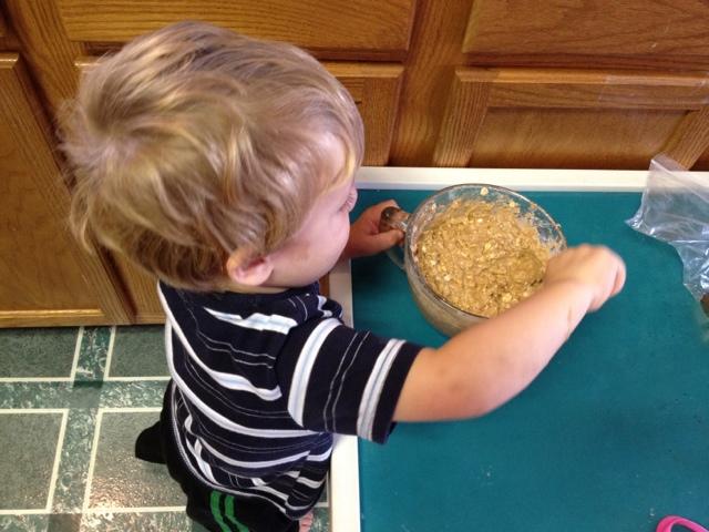 Making pumpkin spice cookies