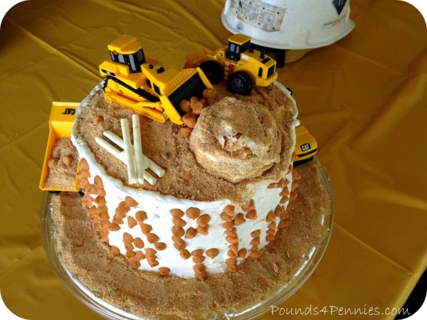 The best construction site cake for a construction birthday party