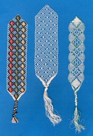 A photograph of the 3 torchon lace bookmark patterns included in this product.
