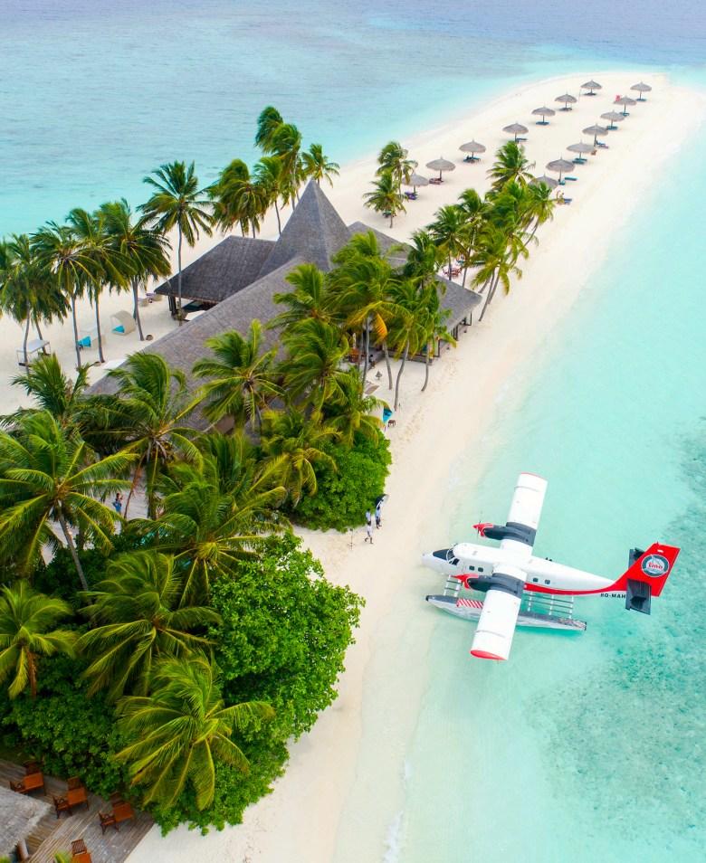 Maldives Seaplane (Shifaaz Shamoon).jpg
