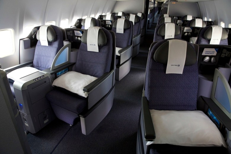 UA PS 757 Seats (United)