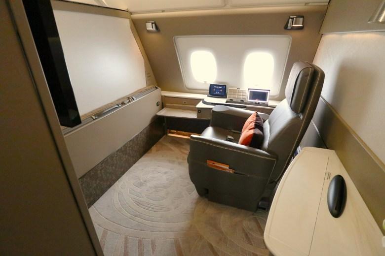 2F Seat