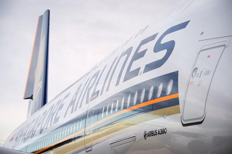 SQ A380 Side (Airbus)
