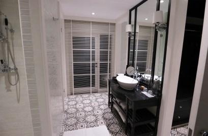 En-suite bathroom. (Photo: MainlyMiles)
