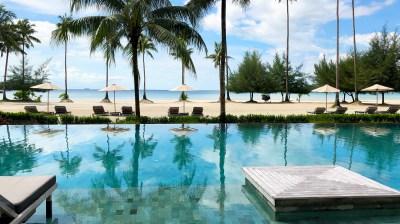 Pool & Beach. (Photo: MainlyMiles)