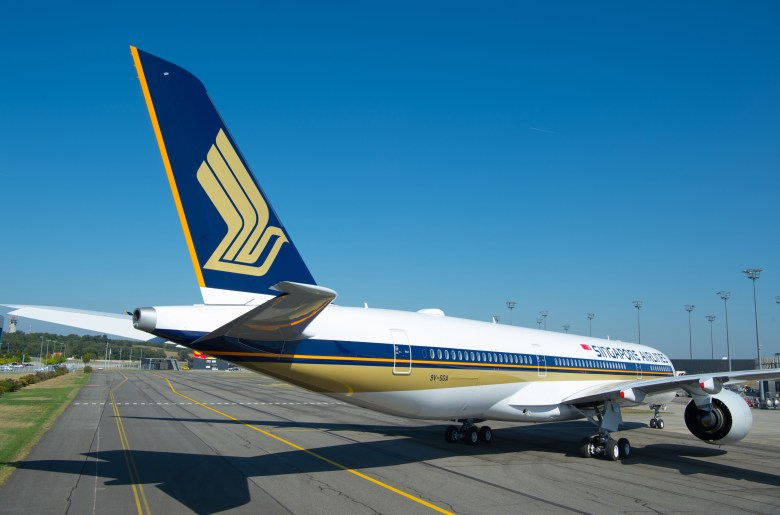 A350-900-Ultra-Long-Range-Singapore-Airlines-MSN220-delivery-011.jpg
