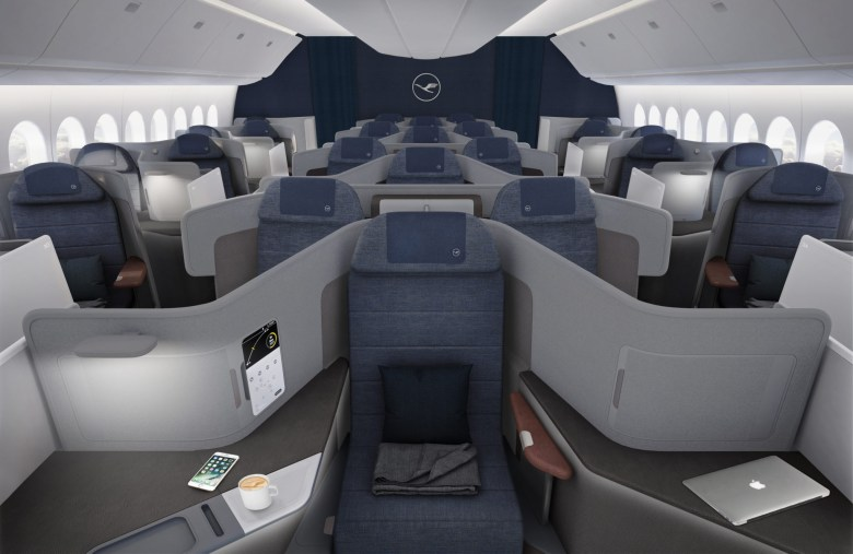 LH New J Throne Seat (Lufthansa).jpg