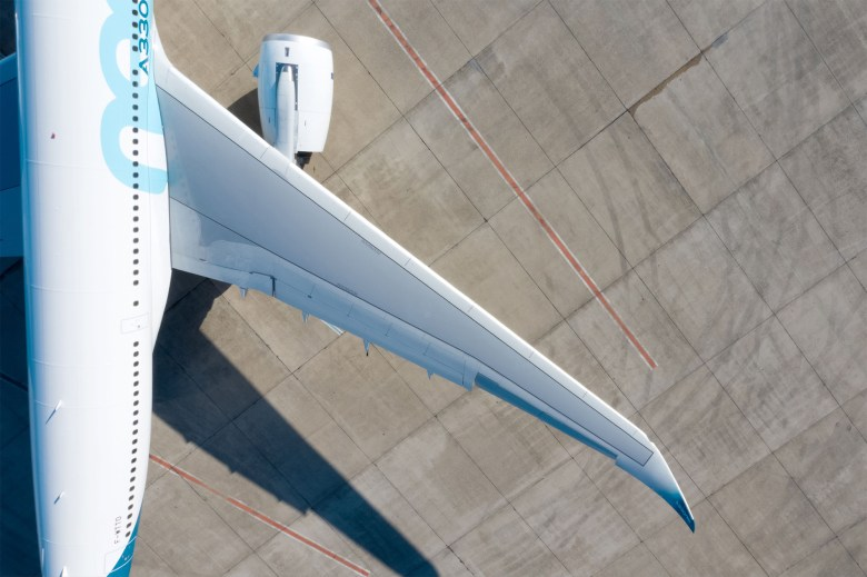 A330neo 3 (Airbus).jpg