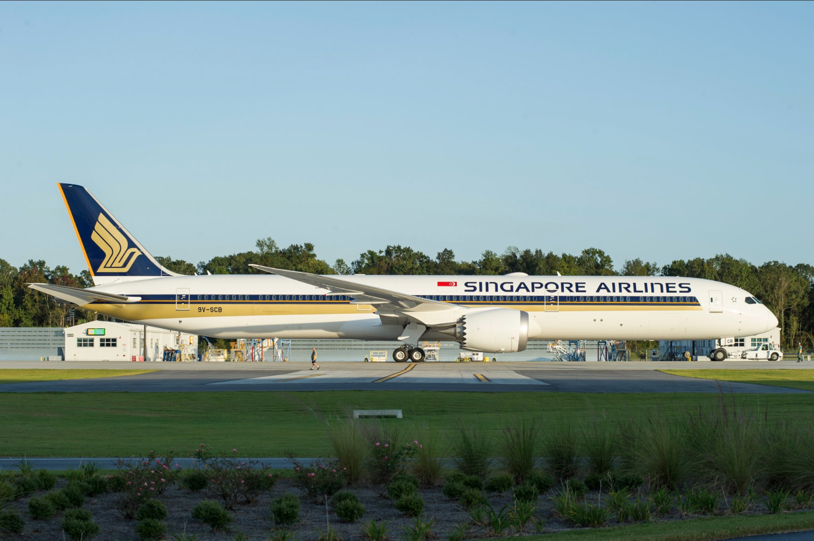 Singapore Airlines has grounded over half its Boeing 787-10 fleet