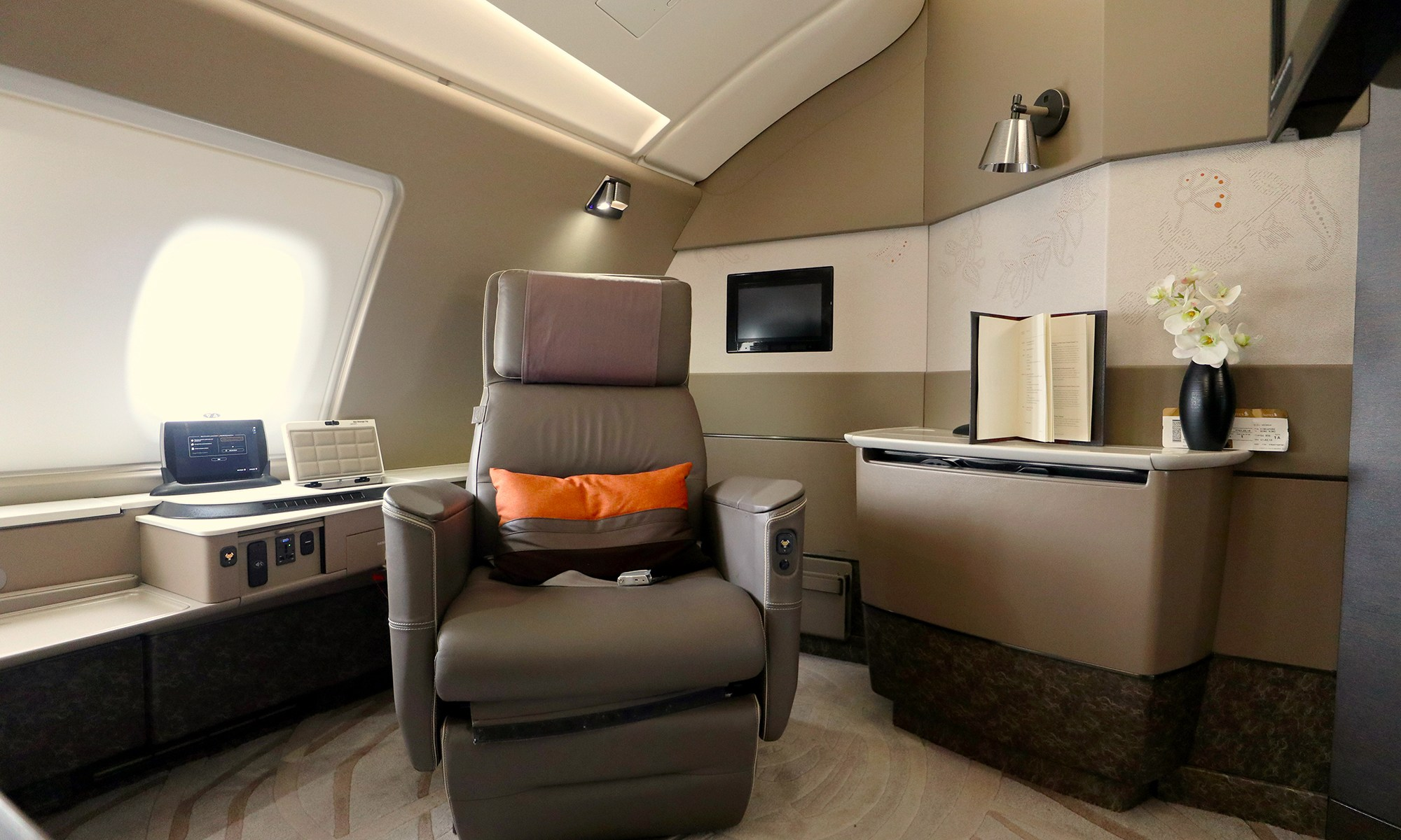 Delhi and Mumbai get the new Singapore Airlines A380 Suites ...
