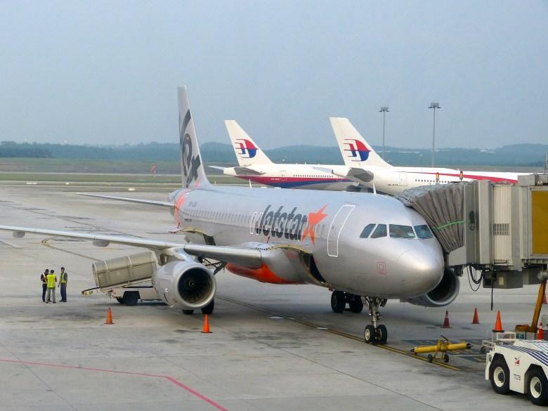Jetstar A320 2.jpg