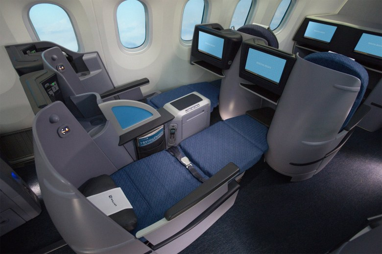 UA Premium Transcon 787 (United Airlines)