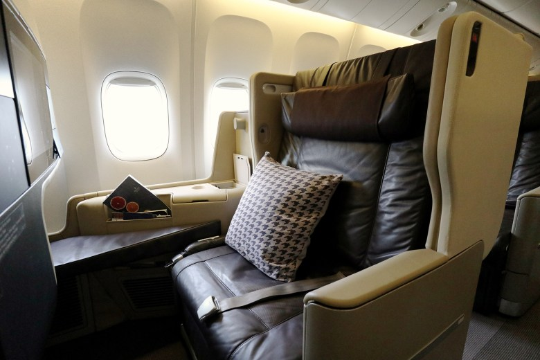 Singapore Airlines is flying flat-bed Business Class to Phuket this winter