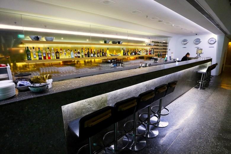 Bar Counter 2.jpg