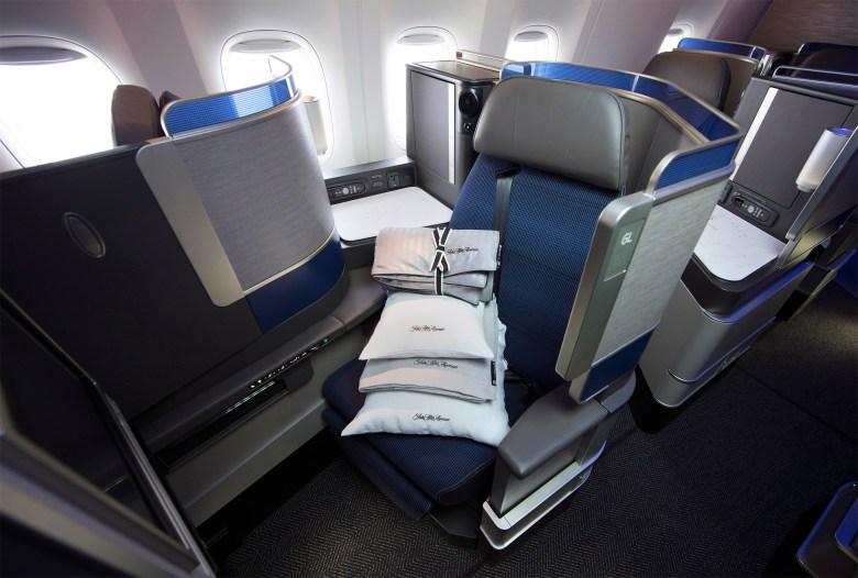 United Polaris Seat (United Airlines).jpg