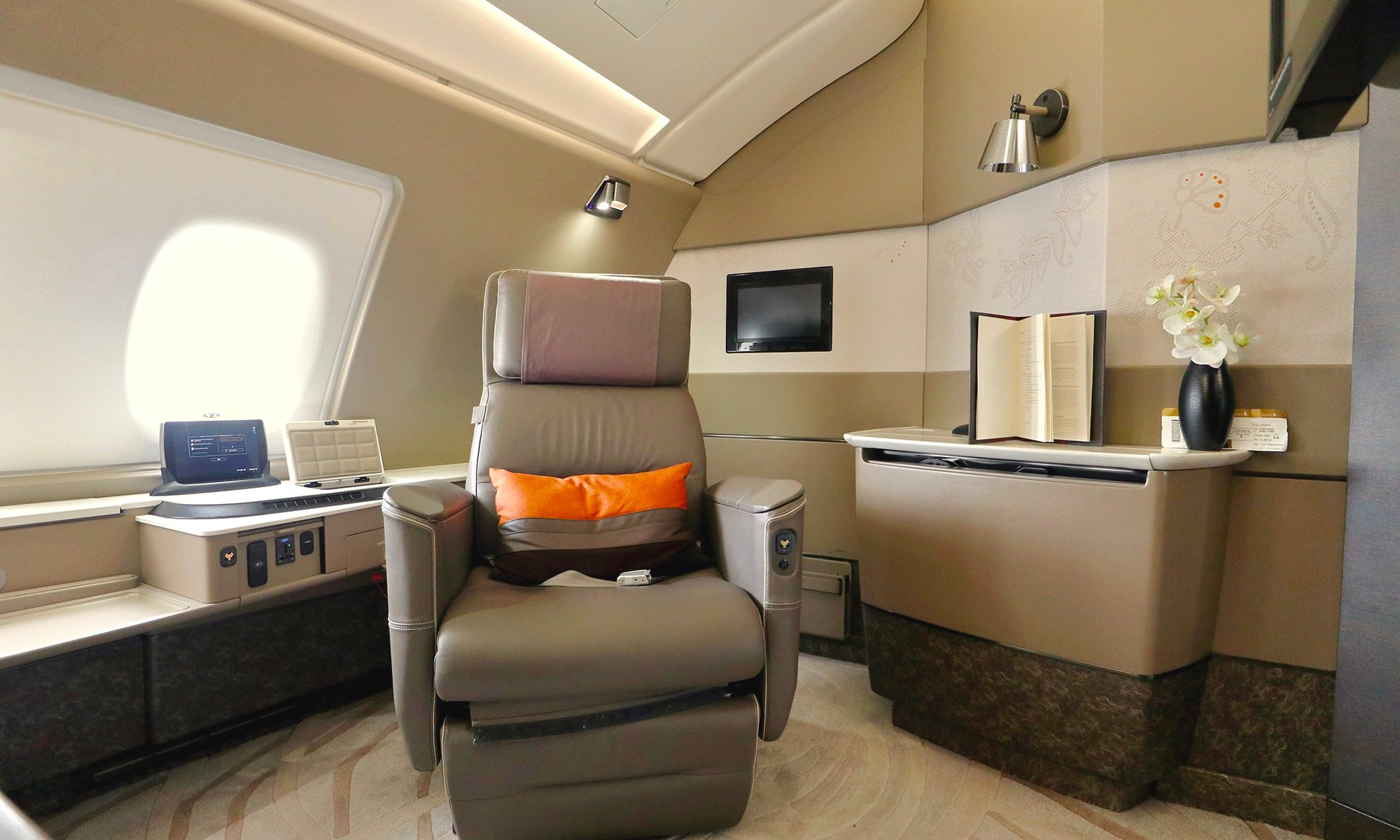 Singapore Airlines will fly new A380 Suites to Auckland from ...