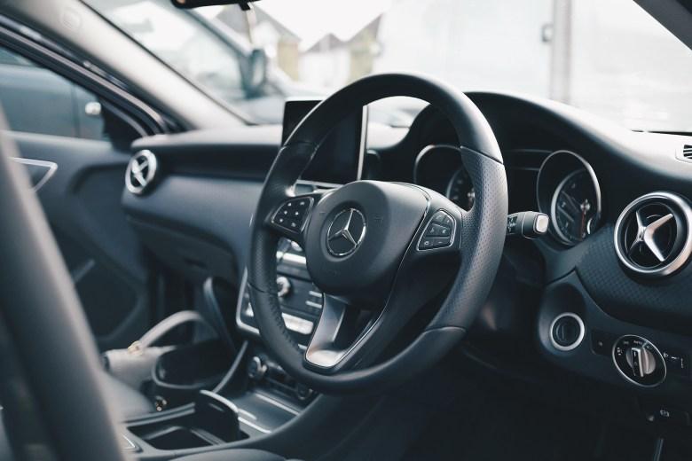 Mercedes Dash.jpg