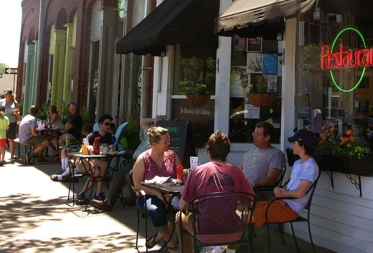 Cafe-Outdoor-Patios-Brunswick-Maine-by-BC