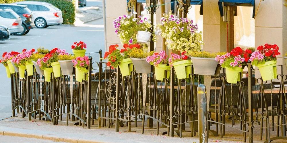 st louis restaurant patio fence