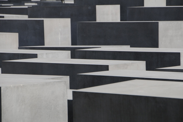 berlin_holocaust_memorial03_ab