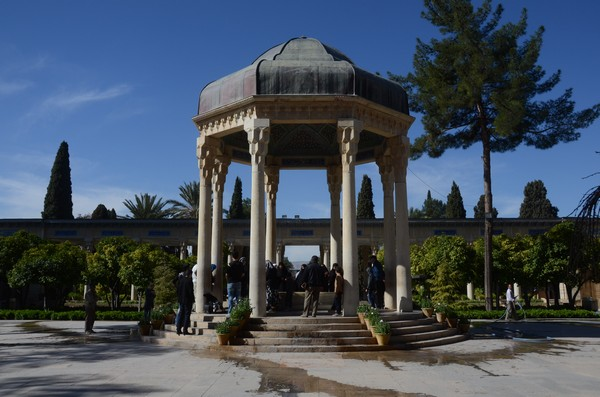 shiraz_tomb_hafez_10