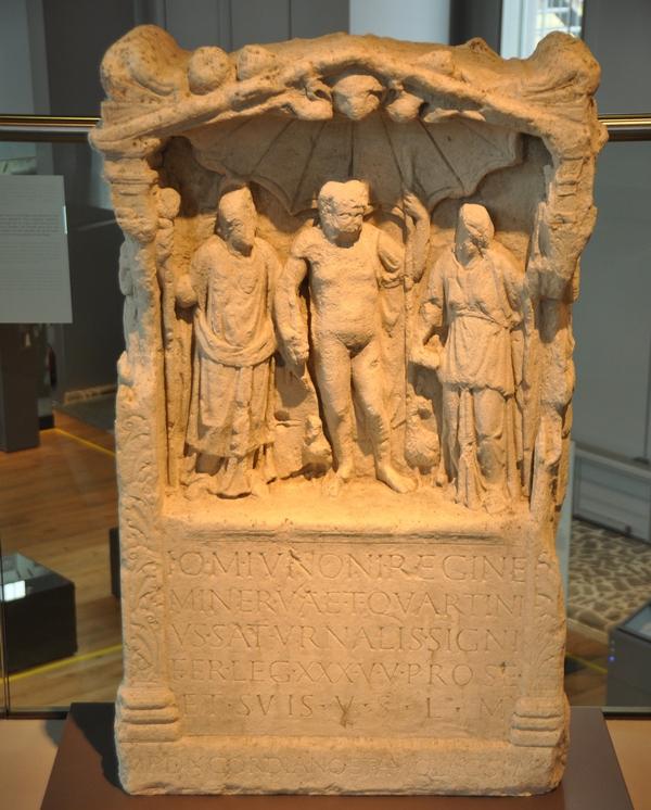 De Capitolijnse Trias (Archeologisch Museum Xanten)