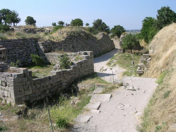 De oostelijke poort van Troje VI/VIIa