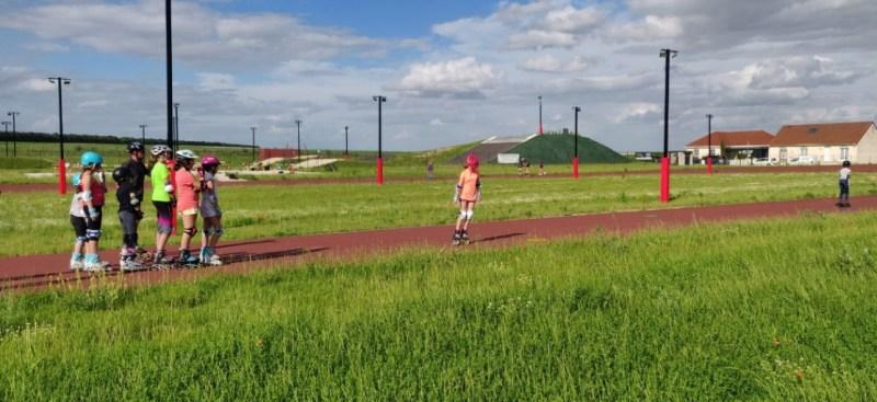 Une image contenant herbe, extérieur, ciel, champ  Description générée automatiquement