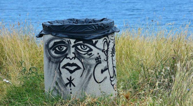 Des poubelles plus ou moins propres ou odorantes tout au long des trottoirs, vous trouvez ça beau ?