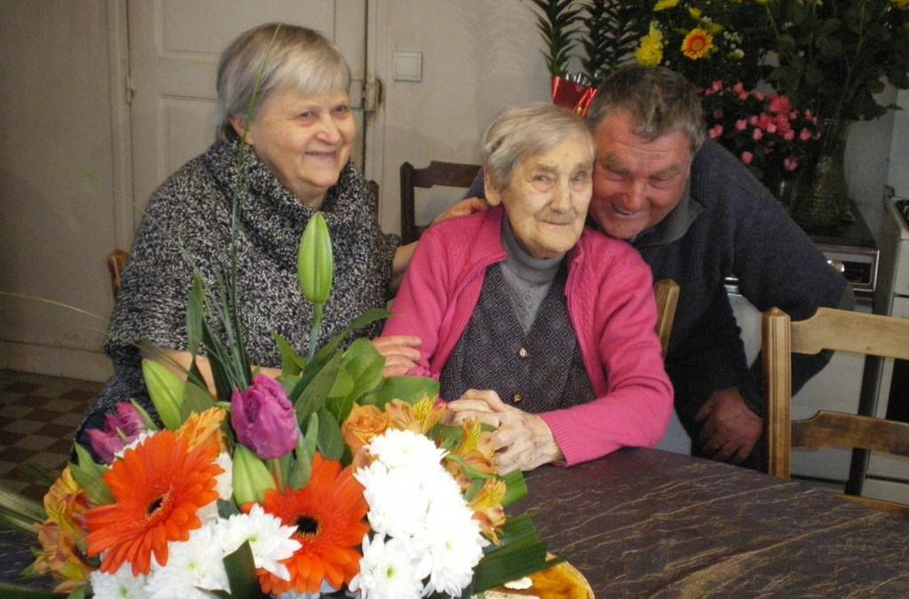 La commune célèbre les 103 ans de Marguerite BINTEIN