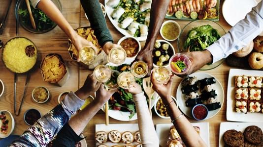 Fiesta en apartamentos: 10 maneras de ser el mejor anfitrión