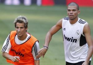 Pepe e Coentrão a fazer o jogo da mala?