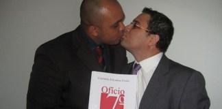 """Casal de """"pastores"""" homossexuais é o primeiro do Rio a registrar união estável"""
