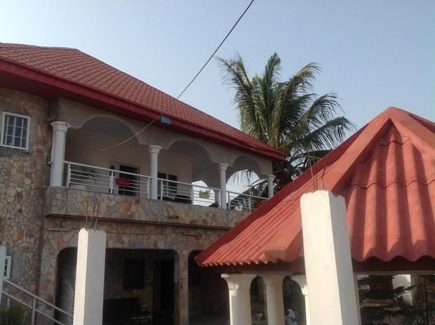 Maison Coloniale Lom