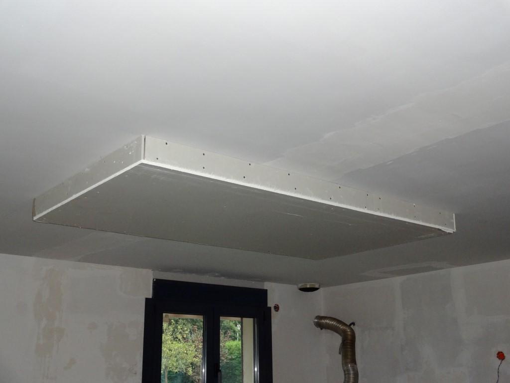 Faux plafond au dessus de l ilot de la cuisine la r novation de notre maison - Fabriquer un faux plafond ...