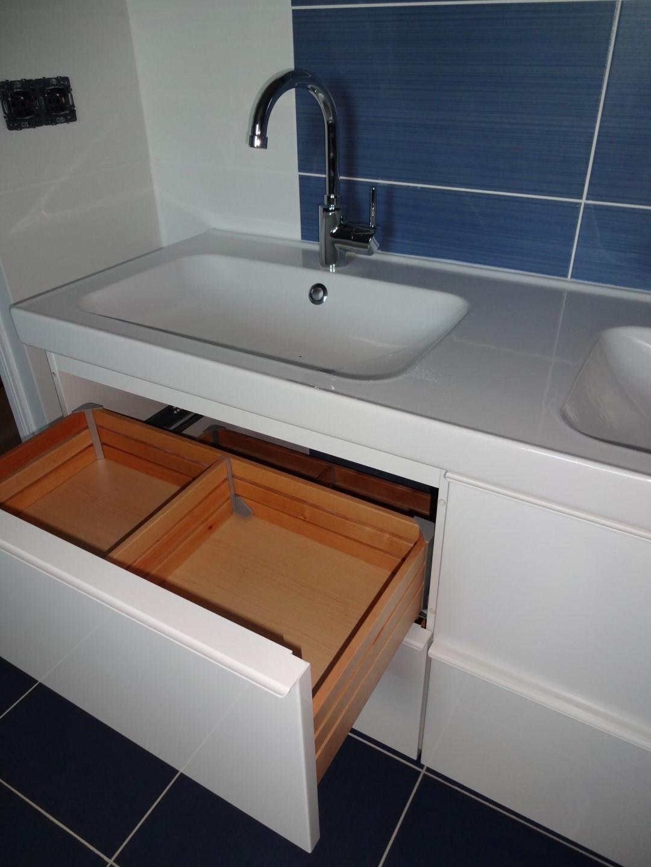 salle de bain du haut fonctionnelle la r novation de. Black Bedroom Furniture Sets. Home Design Ideas