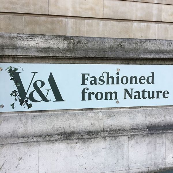 Celebrating the natural world with our jute macramé shopping bags – delighted to be part of Fashioned from Nature at the V&A