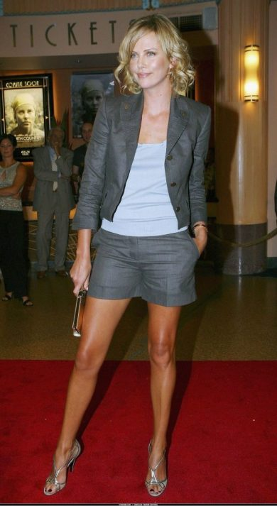 dressy shorts grey with blazer and heels charlize theron red carpet fashion