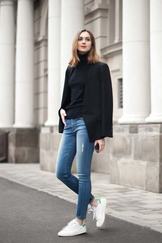 turtleneck-black-blazer-jeans