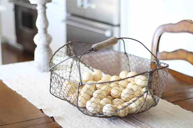 eggs-basket-spring-decor